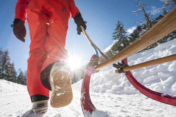Rodeln und Skifahren in Tirol
